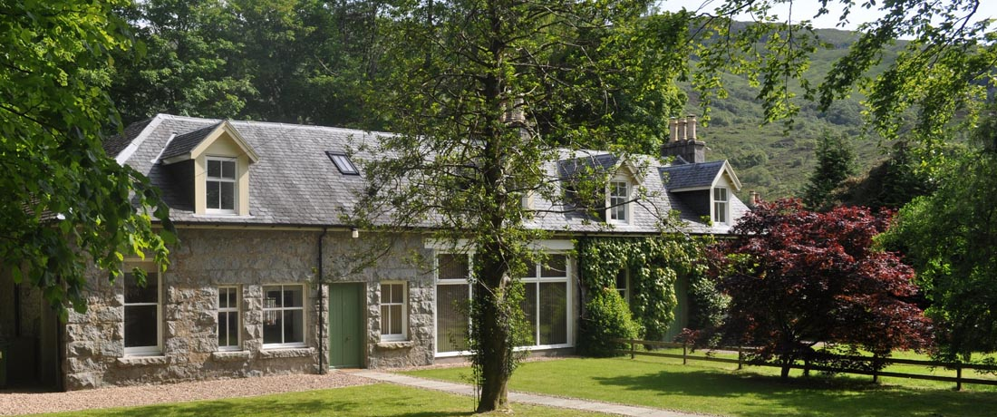 Scottish Highlands holiday cottages, Glen Coe, Fort William, Scotland (sleeps 6) Alltshellach Cottages, North Ballachulish, Loch Leven Glen